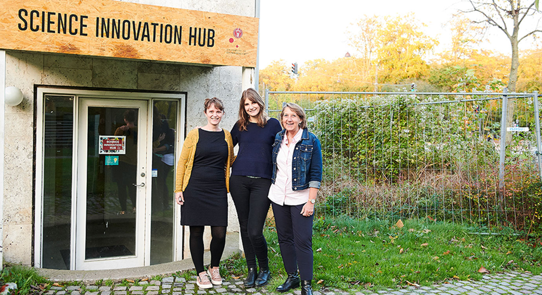 Two entrepreneurial students and one Innovation Hub manager